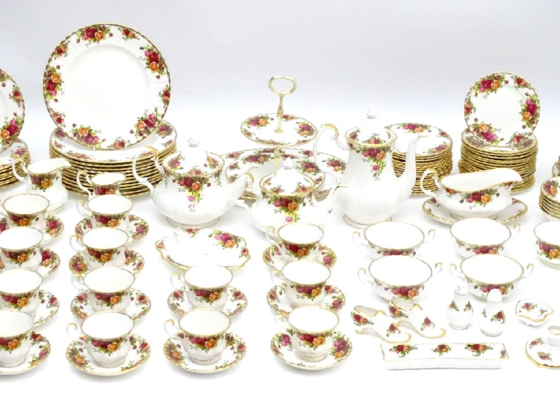 A large quantity of Royal Albert dinner wares in 'Old - 5