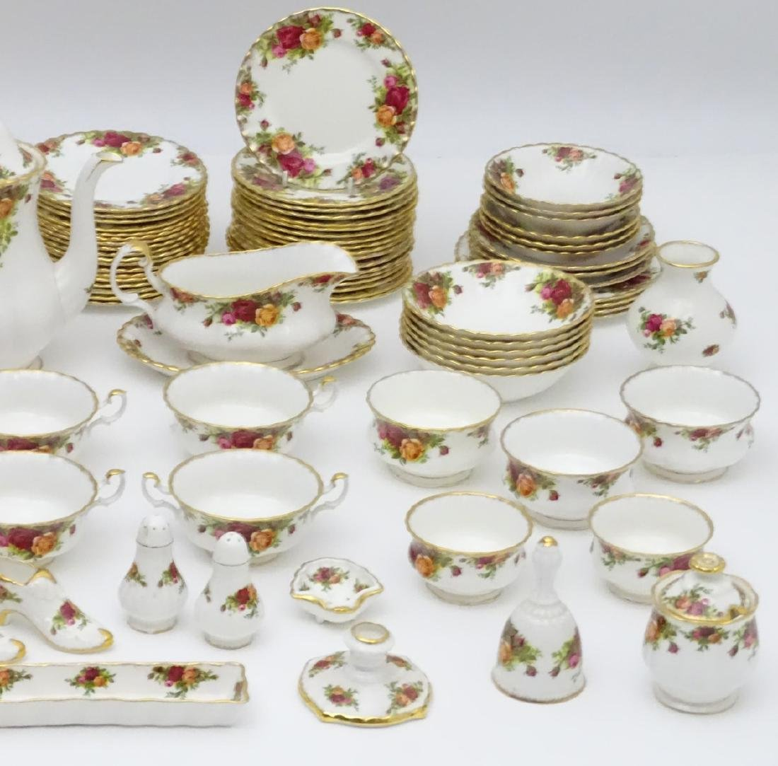 A large quantity of Royal Albert dinner wares in 'Old - 8