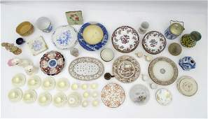 A quantity of assorted ceramics makers to include