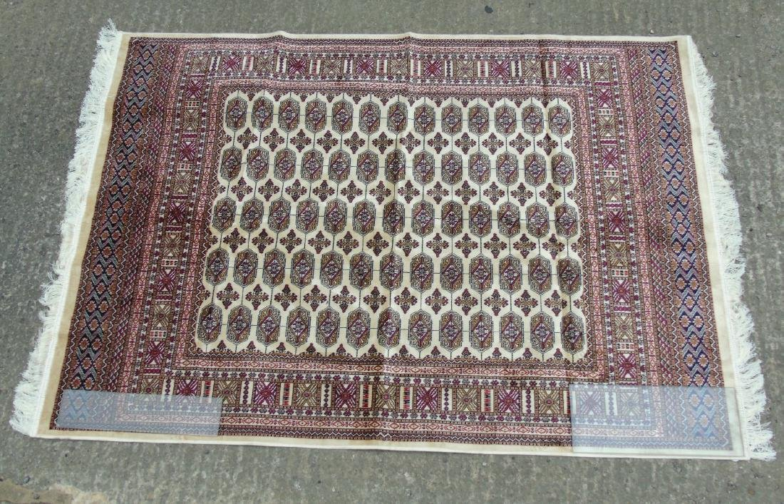Rug Carpet : A late 20 thC machine made Bokhara rug - 2