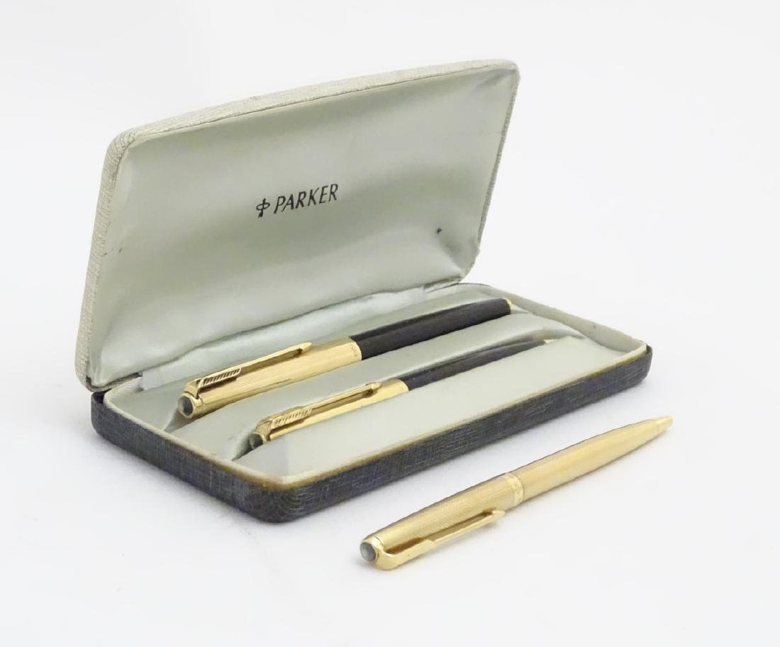 A cased set of mid-20thC writing instruments by Parker, - 2