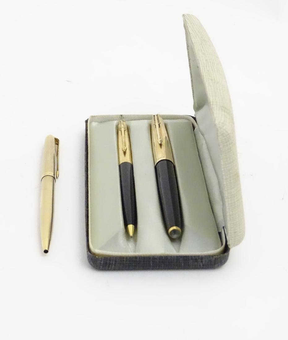 A cased set of mid-20thC writing instruments by Parker, - 3