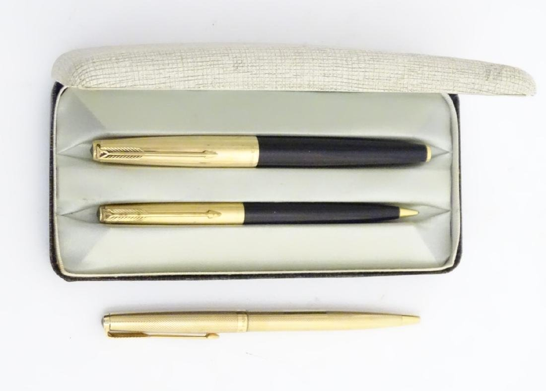 A cased set of mid-20thC writing instruments by Parker, - 5