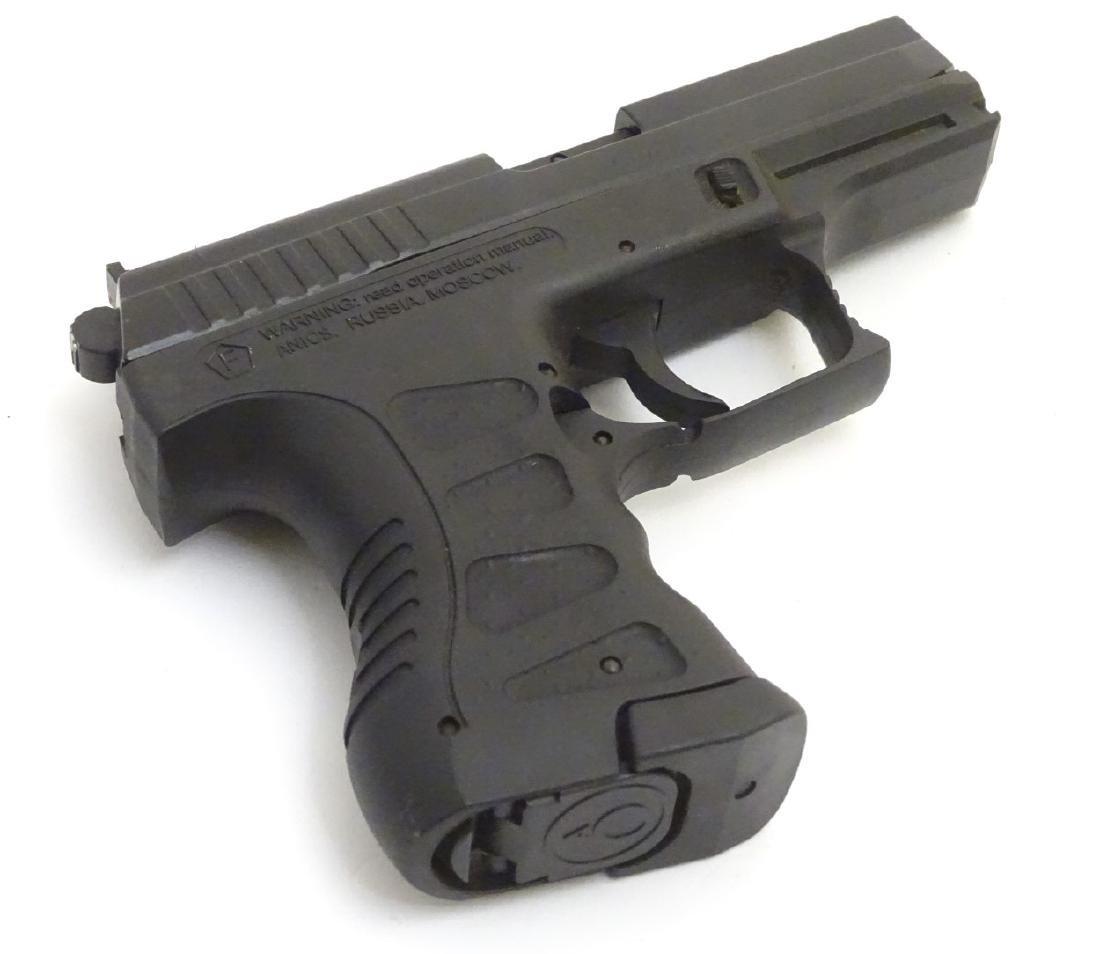 Airgun: an 'A3000'  177/4 5mm BB Co2 air pistol by