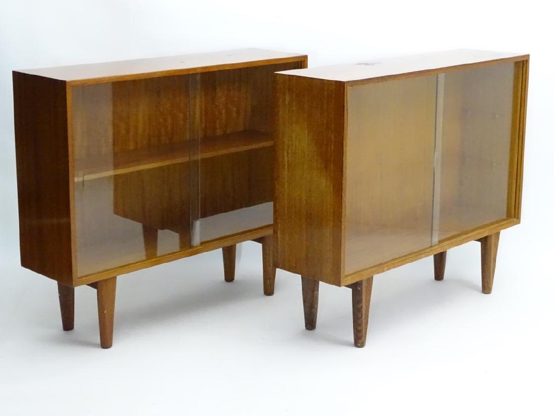 Vintage Retro - a pair of English mid 20 thC 'Gordon