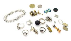 Assorted jewellery etc including a Mexican silver