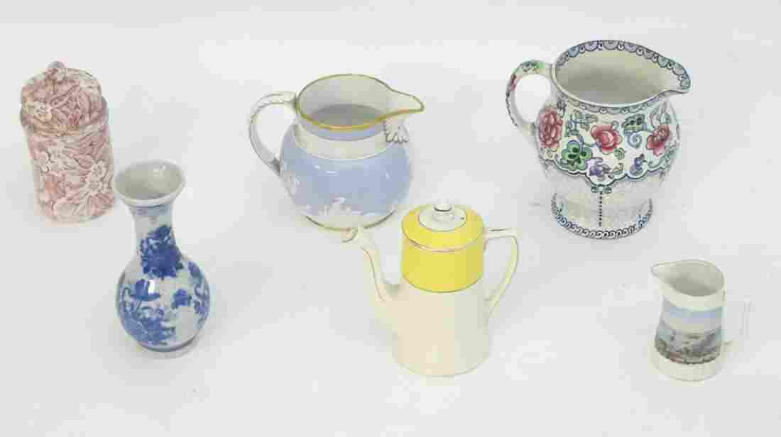 A quantity of assorted ceramics, to include a floral