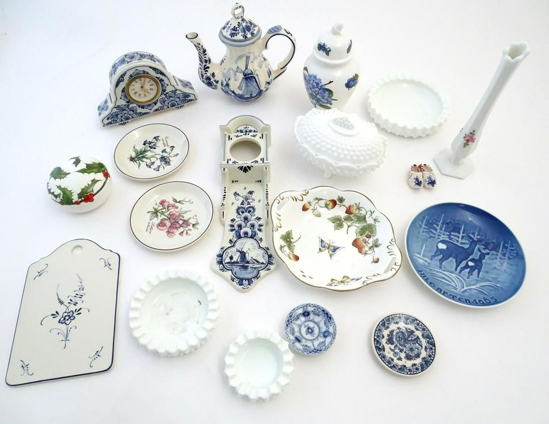 A quantity of assorted ceramics to include two Royal