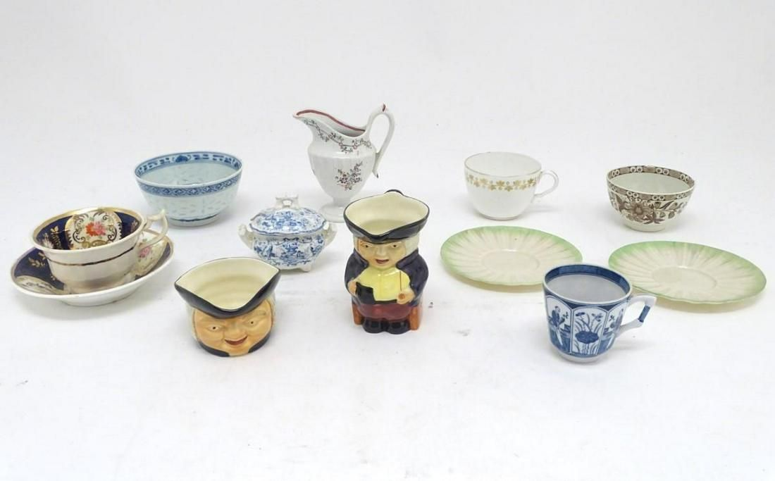 A quantity of assorted ceramics, to include a Chinese