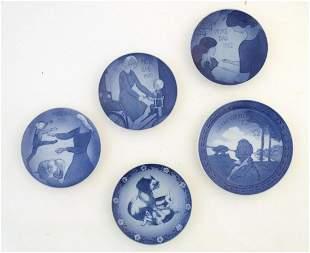 Five Royal Copenhagen plates, comprising Mors Dag -