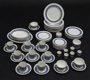 A quantity of Royal Doulton dinner and tea wares in the