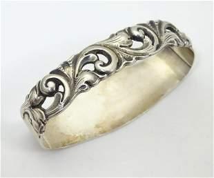 Scandinavian silver : A Norwegian silver D-shaped