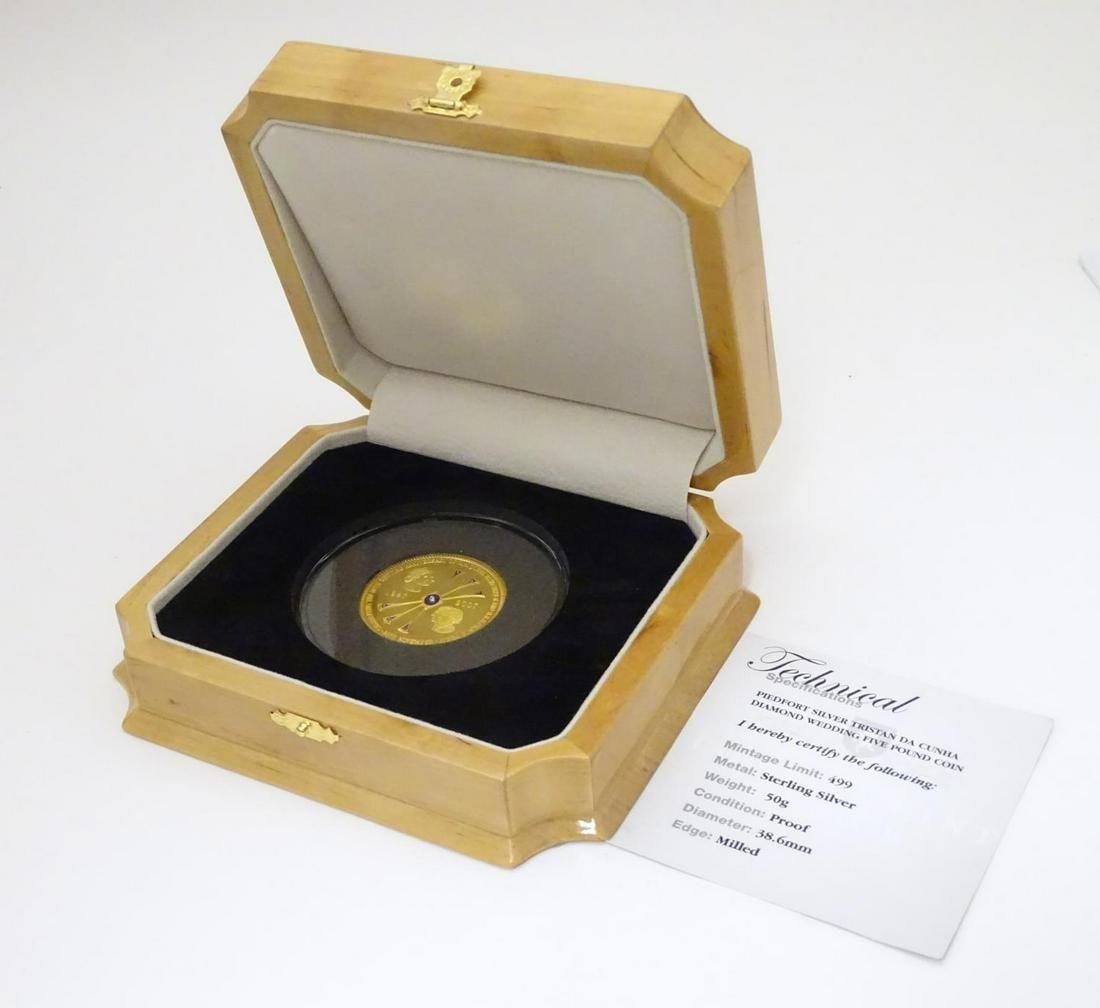 Coin: A Tristan de Cunha 2007 sterling silver gold