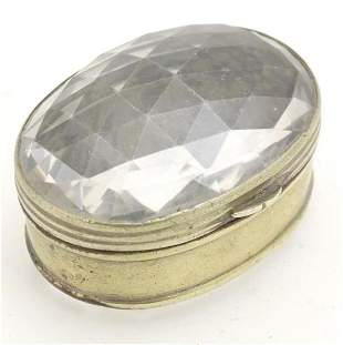 A late 19thC rock crystal snuff / pill box. Approx. 1