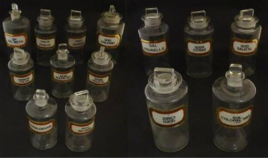 A quantity of 19th / 20thC chemist / apothecary