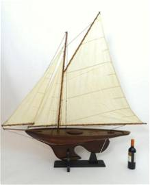 A 20thC model / pond yacht / boat of large proportions,