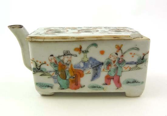 350: A rare 18thC Chinese porcelain famille rose flower