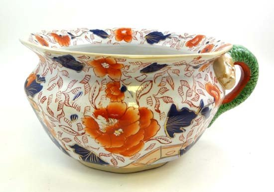 364: A 19thC  Masons Ironstone chamber pot decorated in