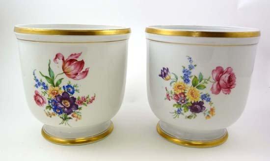 367: A pair of Portuguese porcelain planters by Vista A