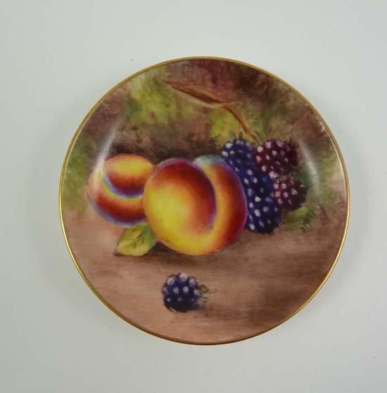 359: A Worcester porcelain fruit painted pin dish, deco
