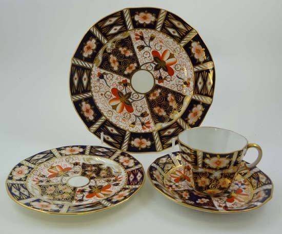369: Items of Royal Crown Derby wares decorated in Imar