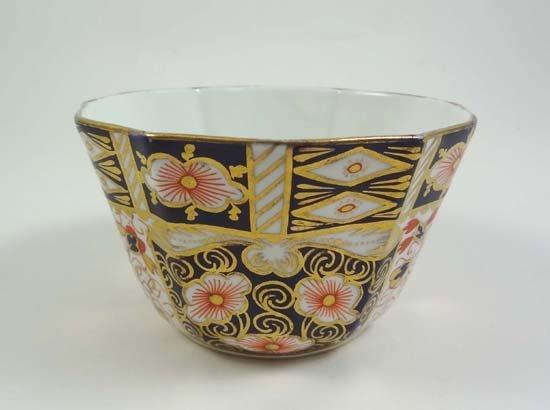370: A Royal Crown Derby sugar basin decorated in Imari