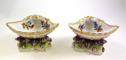 375: A pair of Meissen dishes in the form of scrolled s