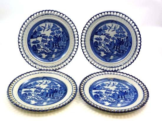 372: A set of 4 x 19thC pearlware arcaded blue and whit