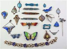 Assorted silver and gilt metal jewellery many with guil