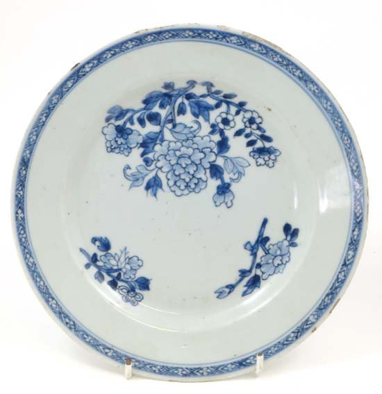 An 18thC / 19thC Chinese blue and white hand painted pl