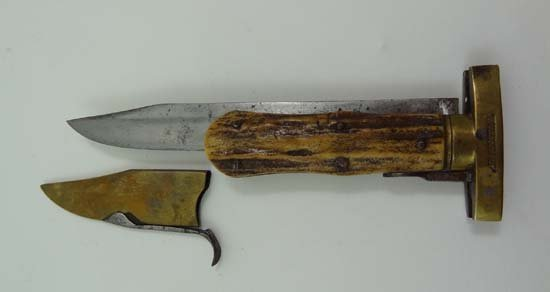 Bowie Knife ? : an unusual antique antler handled