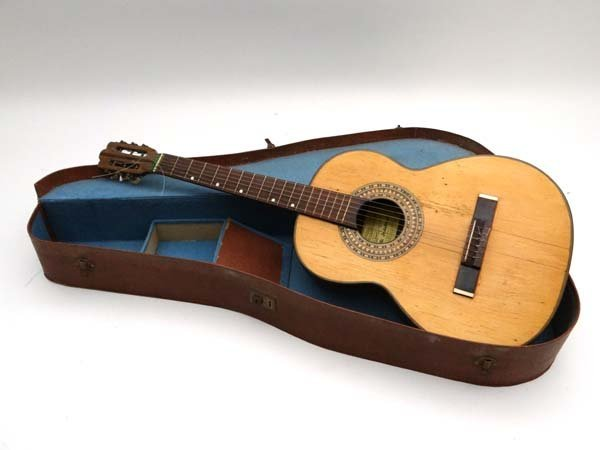 Musical instruments : a c.1940 Fratelli Indelicato