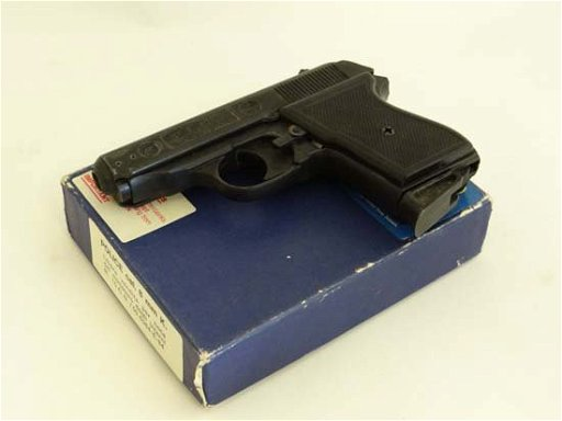 Blank firing : An 8mm semi-automatic Bruni 'Police PPK'