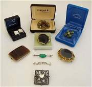Assorted jewellery to include 2 brooches set with