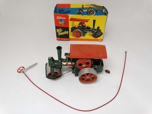 A live steam Wilesco D36 '' Old Smokey '' steam roller. - 3