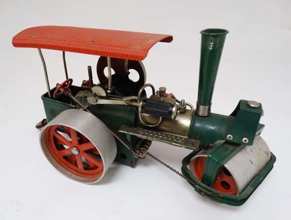 A live steam Wilesco D36 '' Old Smokey '' steam roller. - 4