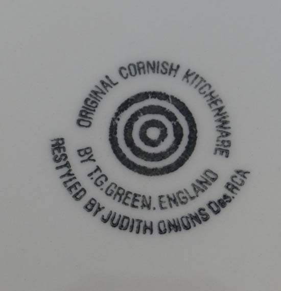 TG Green Cornish Kitchen Ware : A black target marked - 2