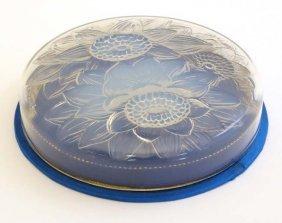 Lalique Opalescent Glass : Boites Et Bonbonnieres , No
