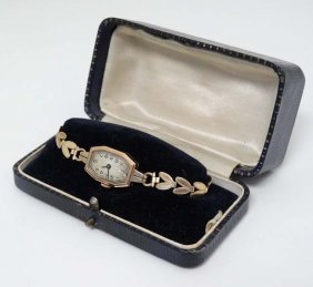 Cased 9 Ct Goldart Deco Ladies Wrist Watch : A 1935? 9