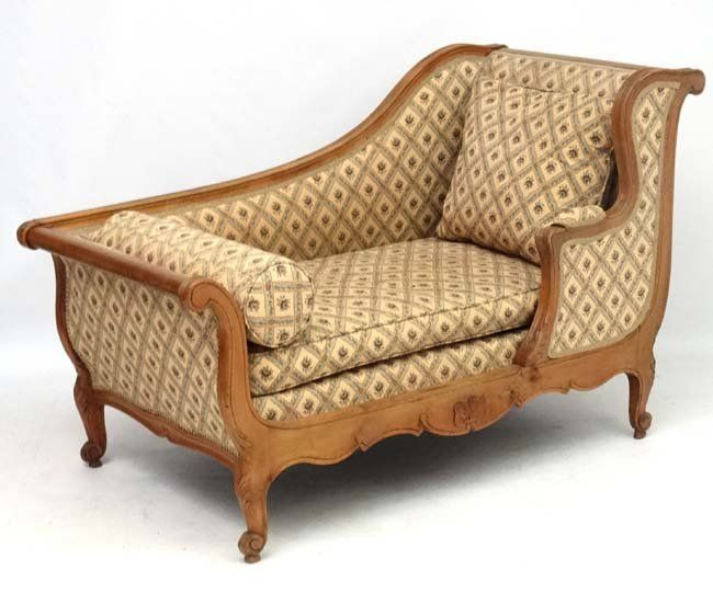 A Louis XV style c.1900 French walnut short daybed 35''