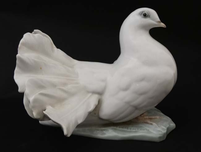 Two Rosenthal , German figure groups of fantail pigeons - 8
