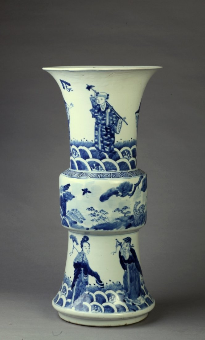 A Blue and White Rouleau Vase, Qing Dynasty, Tong Zhi