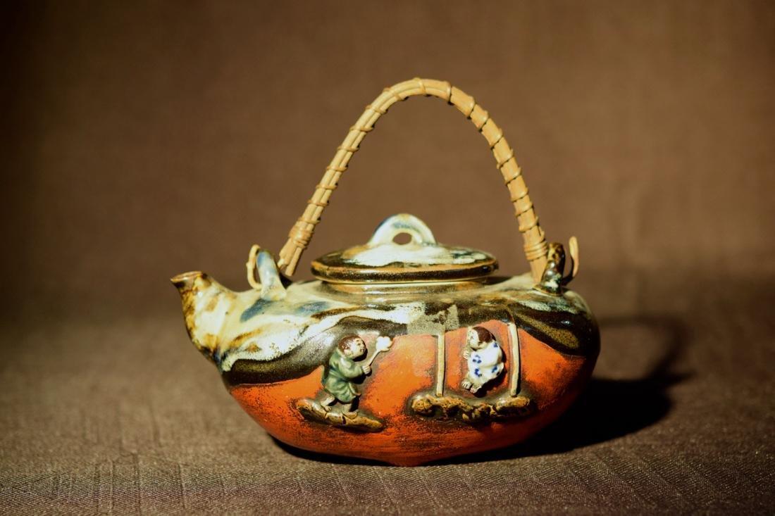 Japanese Sumidagawa Porcelain Teapot