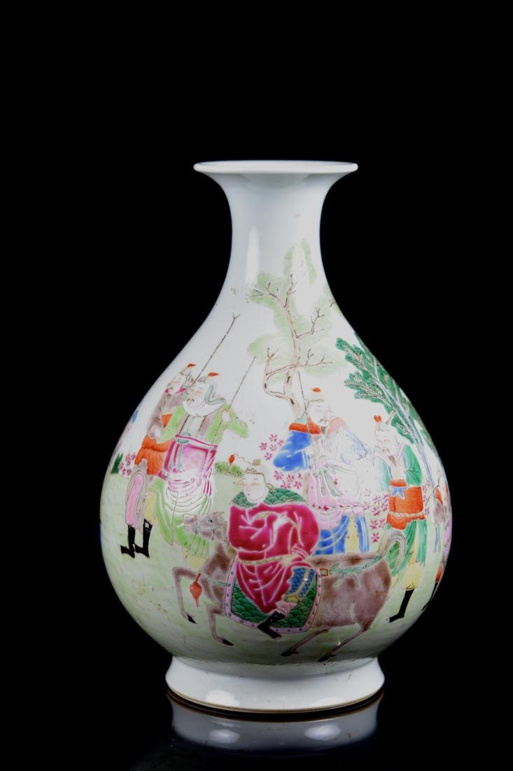 Chinese Famille Rose Porcelain Vase with Warrior