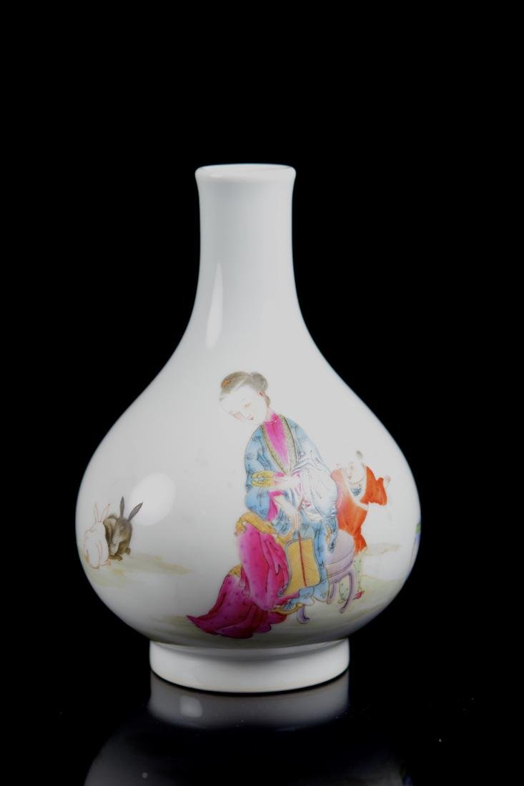 Chinese Famille Rose Porcelain Vase with Beauty and