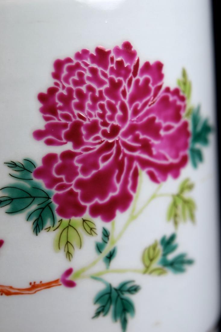 Chinese Famill Rose Porcelain Beaker Vase - 4