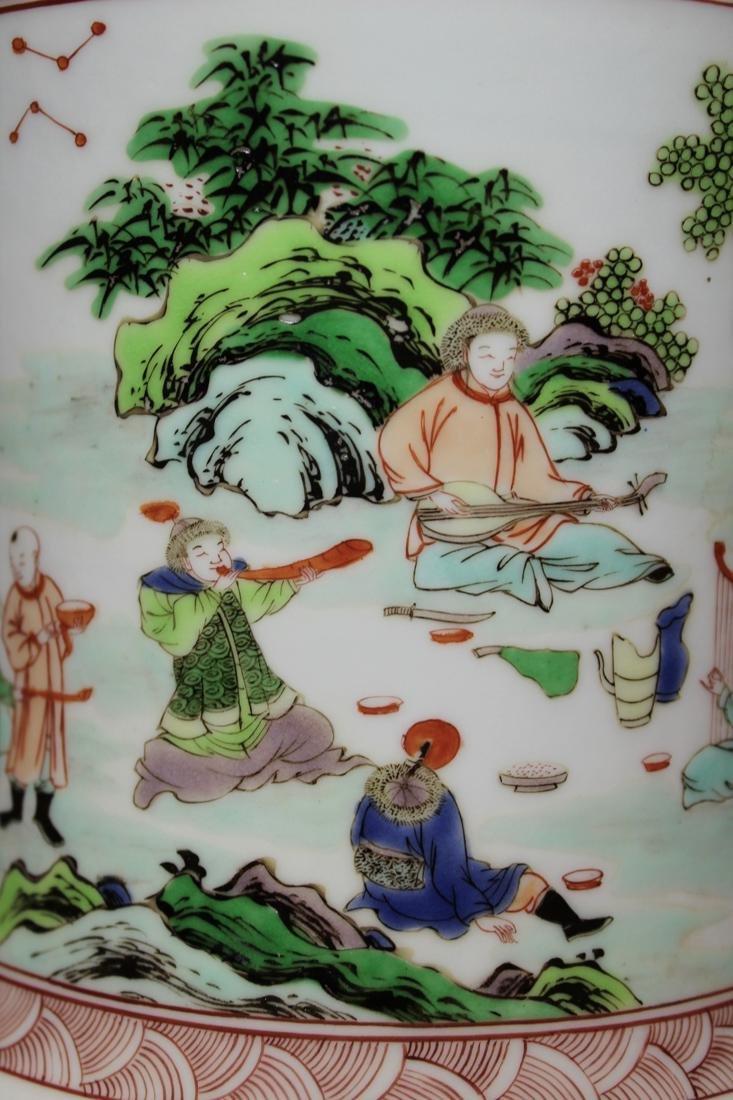 Chinese Wucai Porcelain Brushpot - Qing Court Officer - 3