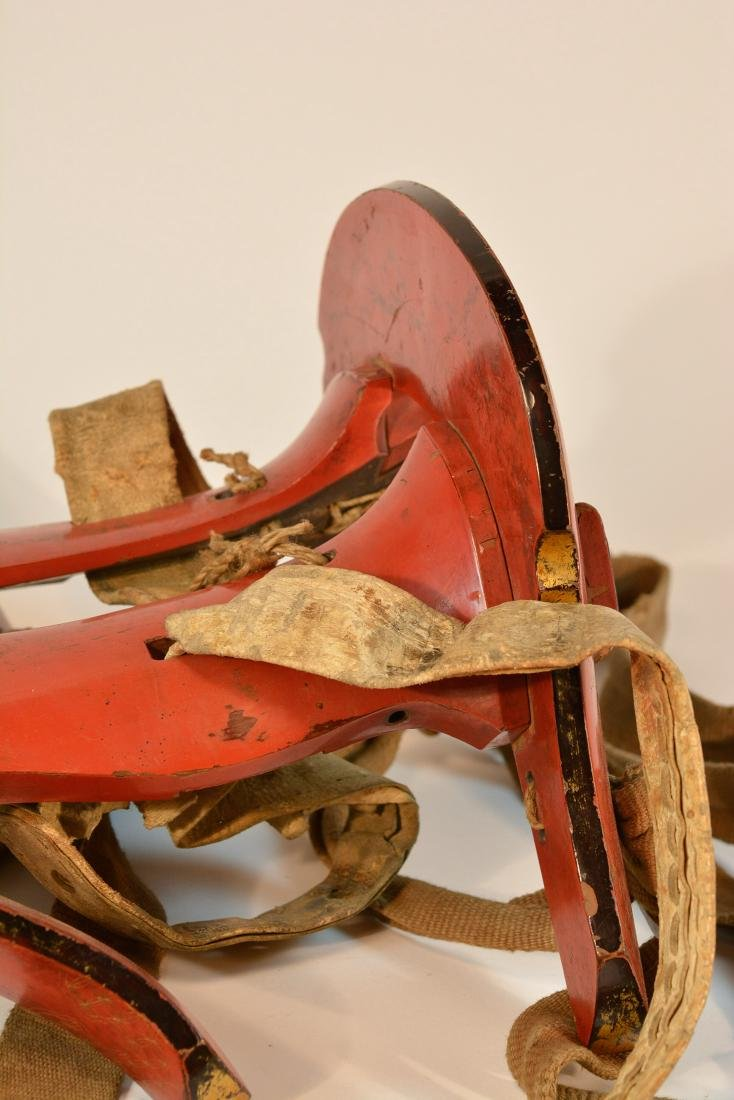 Japanese Lacquered Horse Saddle with Original Fitting - 2