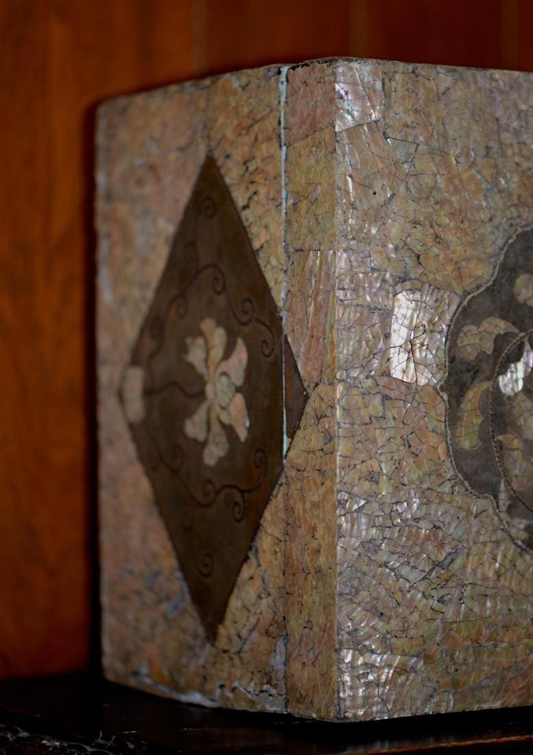 Antique Korean Lacquer Box - 16/17th cen - 8
