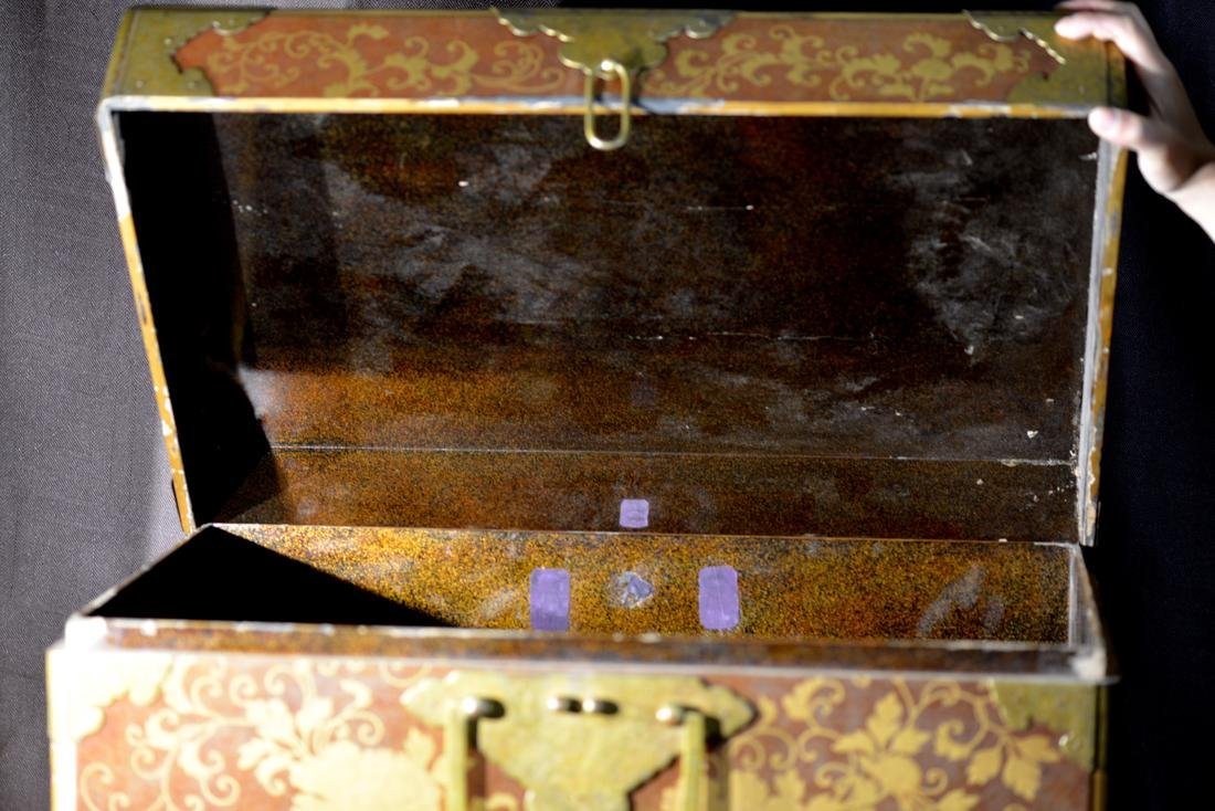 Rare Japanese Lacquer Trunk by Togugawa Familly - 9